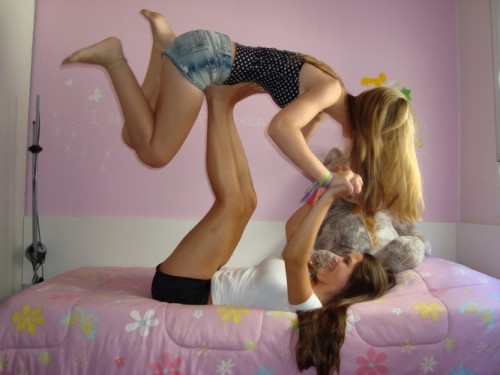 Women love Women (18*) Tumblr_mdnd2tlvCq1qc8zz8o1_500