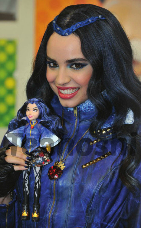 [DCOM] Descendants (2015) Tumblr_nj0ffhdaMY1qhvyqjo1_540