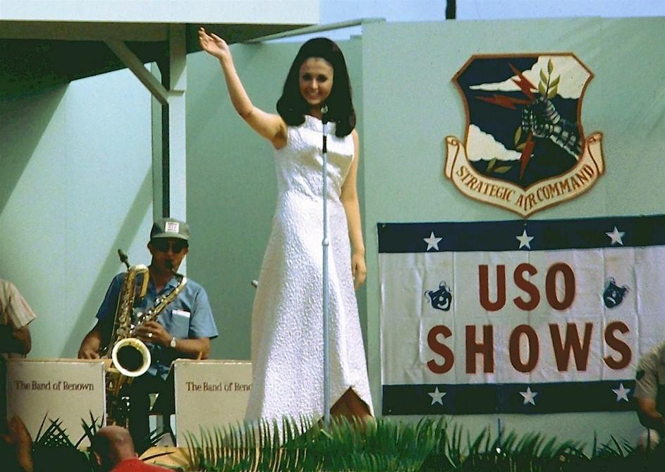 madeleine hartog-bell, primera peruana ser miss world. titulo de miss world 1967. semifinalista de miss universe 1966. Tumblr_o2bhf4Rkls1ttv0wmo1_1280