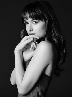 Dakota Johnson Tumblr_nk3oct8Qxt1txpkqvo1_250