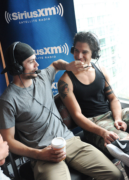 Tyler Posey and Dylan O'Brien - Page 3 Tumblr_nr95kcZWH01qd3554o1_500