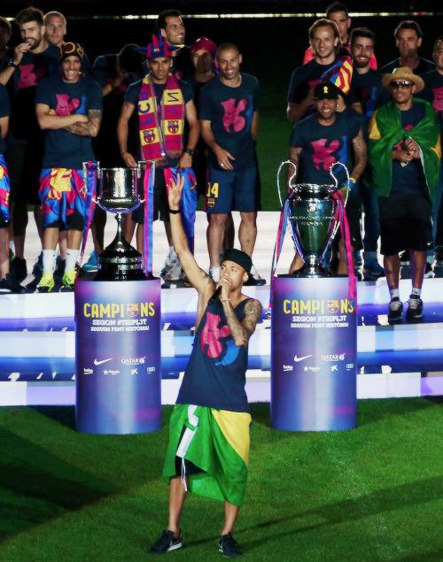 Neymar Jr. - Page 39 Tumblr_npnso4dm9p1tjwhmto1_500