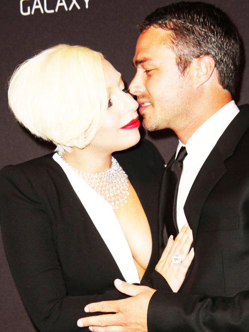 Lady Gaga and Taylor Kinney. - Page 3 Tumblr_nbhlxwB3LP1rz7rr7o1_500