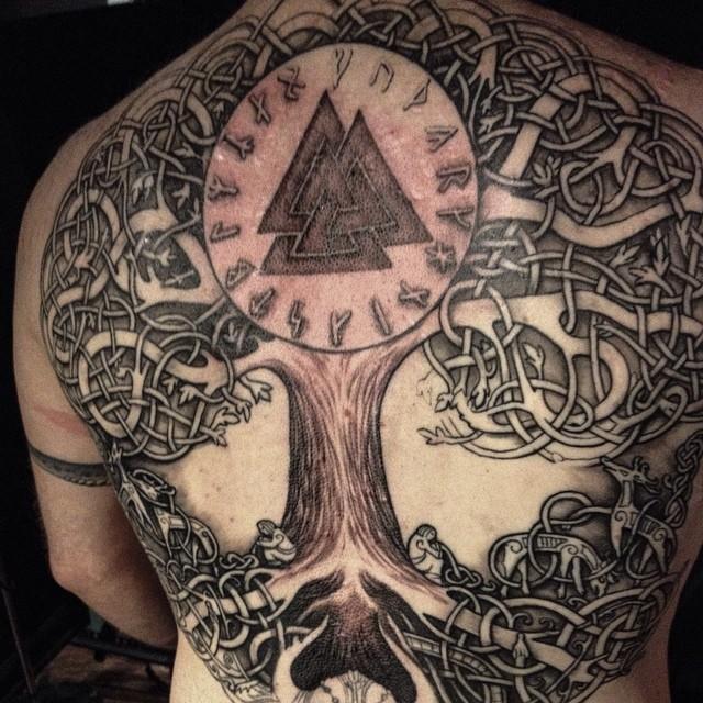 Татуировки с Рунами (подборка фото) Tumblr_njeq3hSvoP1r17oizo1_1280