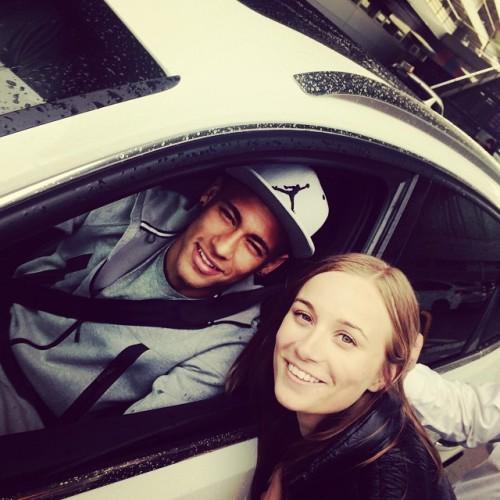Neymar Jr. - Page 37 Tumblr_nn83nvGCXt1repc8no1_500