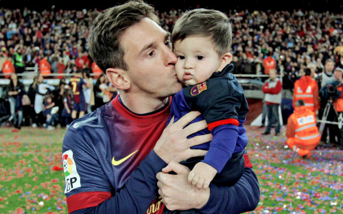 Lionel Messi. - Page 7 Tumblr_nghk8vRIIG1sk2y1wo4_r1_500