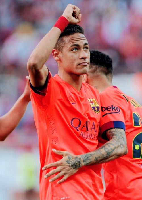 Neymar Jr. - Page 37 Tumblr_nmnpp0DXQr1uo4zhwo1_500