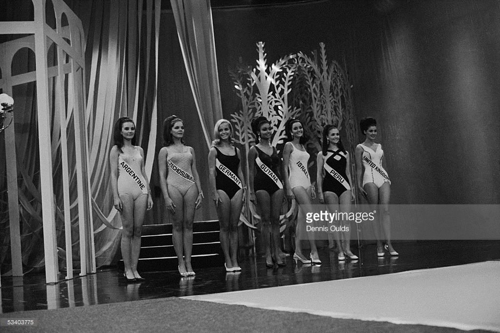 madeleine hartog-bell, primera peruana ser miss world. titulo de miss world 1967. semifinalista de miss universe 1966. Tumblr_o2bgx8dleR1ttv0wmo1_1280