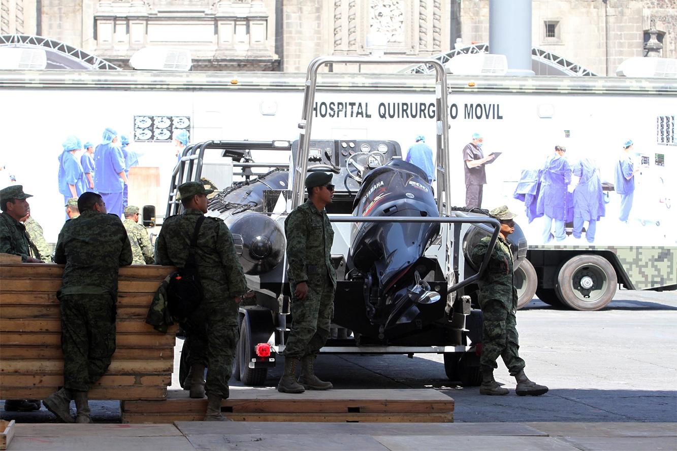 """Exposición """"Fuerzas armadas... Pasión por servir a México"""" 2014 - Página 3 Sedenazocalo502141_8"""