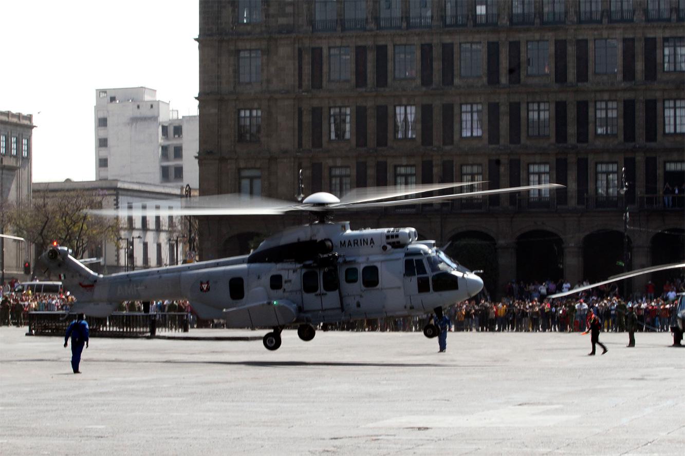 """Exposición """"Fuerzas armadas... Pasión por servir a México"""" 2014 - Página 3 Sedenazocalo502141_9"""