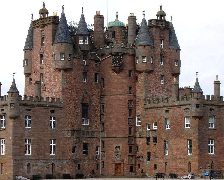 Шотландский замок Гламис 270103