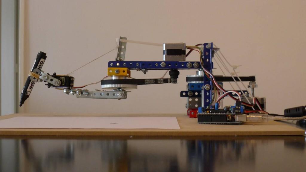 Arduino – nền tảng mới trong việc điều khiển tự động Arduino_pic_drawing_robot