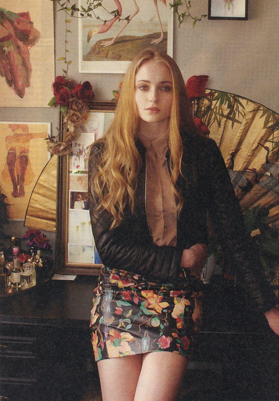 Sophie Turner (Sansa Stark) - Σελίδα 2 3989_f498_892