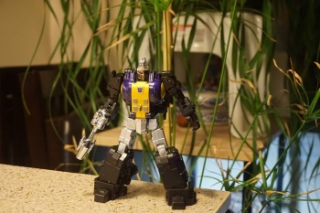 [Fanstoys] Produit Tiers - Jouet FT-12 Grenadier / FT-13 Mercenary / FT-14 Forager - aka Insecticons - Page 2 1qTc2i7F