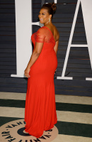 """Queen Latifah """"2015 Vanity Fair Oscar Party hosted by Graydon Carter at Wallis Annenberg Center for the Performing Arts in Beverly Hills"""" (22.02.2015) 23x 3lgDEwn4"""