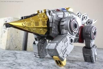 [Toyworld][Zeta Toys] Produit Tiers - Jouet TW-D aka Combiner Dinobots - Page 3 EfQXQv9Y
