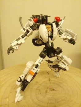 [MakeToys] Produit Tiers - Jouet MTCM-04 Guardia (aka Protectobots - Defensor/Defenso) - Page 2 FBV2f1Q6