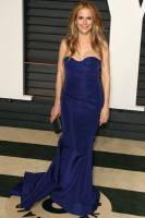 """Kelly Preston """"2015 Vanity Fair Oscar Party hosted by Graydon Carter at Wallis Annenberg Center for the Performing Arts in Beverly Hills"""" (22.02.2015) 46x  J2ey2wUI"""
