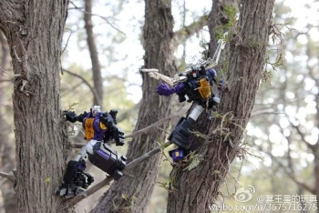 [Fanstoys] Produit Tiers - Jouet FT-12 Grenadier / FT-13 Mercenary / FT-14 Forager - aka Insecticons - Page 3 KF8iEu2j