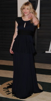 """Courtney Love """"2015 Vanity Fair Oscar Party hosted by Graydon Carter at Wallis Annenberg Center for the Performing Arts in Beverly Hills"""" (22.02.2015) 49x OeYLhpud"""