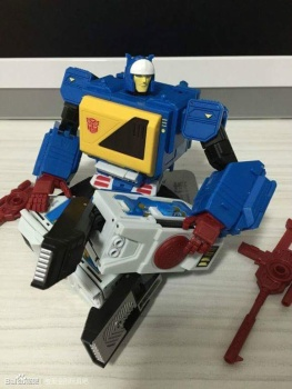 [KFC Toys] Produit Tiers - Jouet Transistor (aka Blaster/Tempo) + DoubleDeck (Twincast) + Fader (aka Eject/Éjecteur) + Rover (aka Autoscout) RTznYvuK