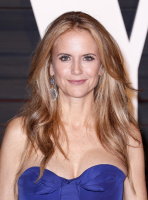 """Kelly Preston """"2015 Vanity Fair Oscar Party hosted by Graydon Carter at Wallis Annenberg Center for the Performing Arts in Beverly Hills"""" (22.02.2015) 46x  X6aoBo6I"""