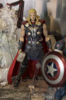 [Comentários] Marvel S.H.Figuarts BbR3AKZY