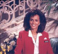 Отель / Hotel (сериал 1983-1988) GQYEmgrP