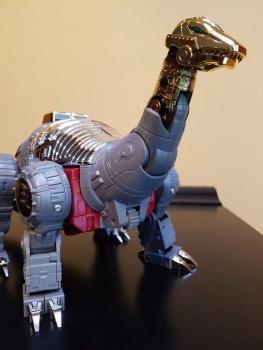 [Fanstoys] Produit Tiers - Dinobots - FT-04 Scoria, FT-05 Soar, FT-06 Sever, FT-07 Stomp, FT-08 Grinder - Page 9 M2Hw1Fyo
