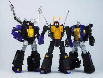 [Fanstoys] Produit Tiers - Jouet FT-12 Grenadier / FT-13 Mercenary / FT-14 Forager - aka Insecticons - Page 4 MOS217SI