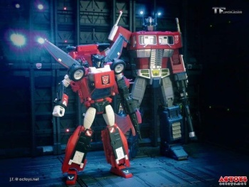 [Masterpiece] MP-25L LoudPedal (Noir) + MP-26 Road Rage (Rouge) ― aka Tracks/Le Sillage Diaclone - Page 2 SlWhnzXB