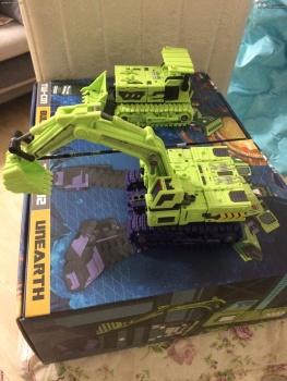 [Toyworld] Produit Tiers - Jouet TW-C Constructor aka Devastator/Dévastateur (Version vert G1 et jaune G2) - Page 4 VzbkeULB