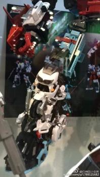 [MakeToys] Produit Tiers - Jouet MTCM-04 Guardia (aka Protectobots - Defensor/Defenso) - Page 2 Ws8XHF2p