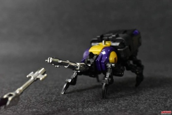 [Fanstoys] Produit Tiers - Jouet FT-12 Grenadier / FT-13 Mercenary / FT-14 Forager - aka Insecticons - Page 2 Xg4aNJpL