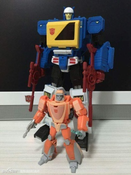 [KFC Toys] Produit Tiers - Jouet Transistor (aka Blaster/Tempo) + DoubleDeck (Twincast) + Fader (aka Eject/Éjecteur) + Rover (aka Autoscout) YU4Km9DD