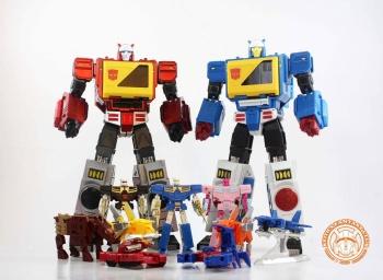 [KFC Toys] Produit Tiers - Jouet Transistor (aka Blaster/Tempo) + DoubleDeck (Twincast) + Fader (aka Eject/Éjecteur) + Rover (aka Autoscout) - Page 2 3HyfDTv1