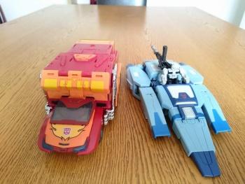 [Unique Toys] Produit Tiers - Jouet Y-02 Buzzing - aka Blurr/Brouillo 5SDZvYBn