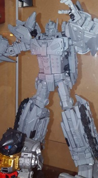 [Mastermind Creations] Produit Tiers - R-17 Carnifex - aka Overlord (TF Masterforce) 9eMaBjak