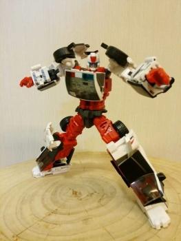 [MakeToys] Produit Tiers - Jouet MTCM-04 Guardia (aka Protectobots - Defensor/Defenso) - Page 2 AMXttdSr