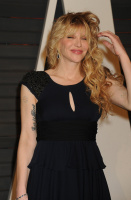 """Courtney Love """"2015 Vanity Fair Oscar Party hosted by Graydon Carter at Wallis Annenberg Center for the Performing Arts in Beverly Hills"""" (22.02.2015) 49x HKUwwZMu"""