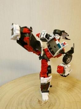 [MakeToys] Produit Tiers - Jouet MTCM-04 Guardia (aka Protectobots - Defensor/Defenso) - Page 2 J2AVHf9N