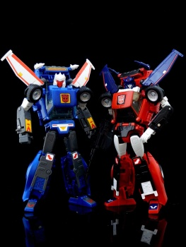 [Masterpiece] MP-25L LoudPedal (Noir) + MP-26 Road Rage (Rouge) ― aka Tracks/Le Sillage Diaclone - Page 2 LmXSNBSG