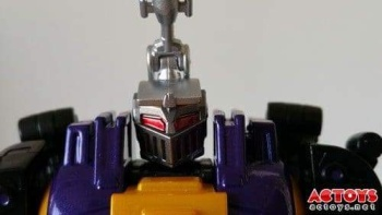 [Fanstoys] Produit Tiers - Jouet FT-12 Grenadier / FT-13 Mercenary / FT-14 Forager - aka Insecticons - Page 2 O3OIkuvw