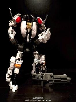 [MakeToys] Produit Tiers - Jouet MTCM-04 Guardia (aka Protectobots - Defensor/Defenso) - Page 2 P8WmowSa