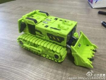 [Toyworld] Produit Tiers - Jouet TW-C Constructor aka Devastator/Dévastateur (Version vert G1 et jaune G2) - Page 2 PFLkWwTA