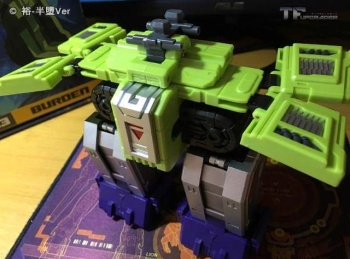 [Toyworld] Produit Tiers - Jouet TW-C Constructor aka Devastator/Dévastateur (Version vert G1 et jaune G2) - Page 6 VqHv4btL
