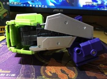 [Toyworld] Produit Tiers - Jouet TW-C Constructor aka Devastator/Dévastateur (Version vert G1 et jaune G2) - Page 6 WVRJWj1L