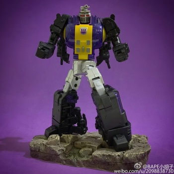 [Fanstoys] Produit Tiers - Jouet FT-12 Grenadier / FT-13 Mercenary / FT-14 Forager - aka Insecticons - Page 2 X4kDjfit