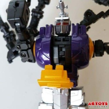 [Fanstoys] Produit Tiers - Jouet FT-12 Grenadier / FT-13 Mercenary / FT-14 Forager - aka Insecticons - Page 2 YwOwnN0v