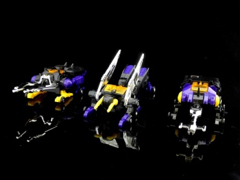 [Fanstoys] Produit Tiers - Jouet FT-12 Grenadier / FT-13 Mercenary / FT-14 Forager - aka Insecticons - Page 2 BePauxtU